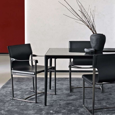 B&B Italia Mirto indoor tafel